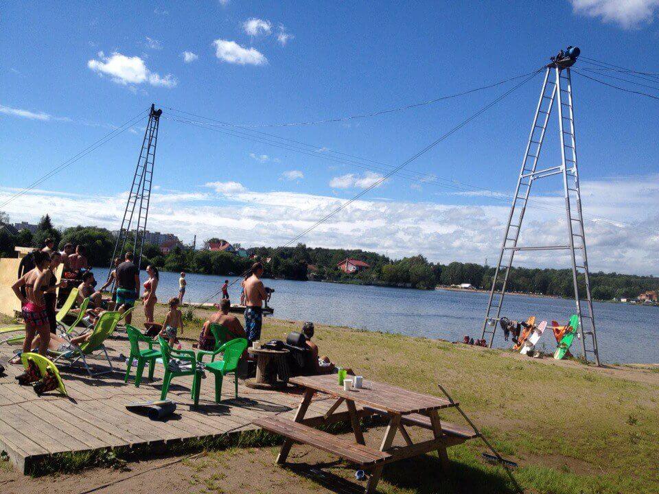 Две лебедки в вейк парке в Санкт-Петербурге